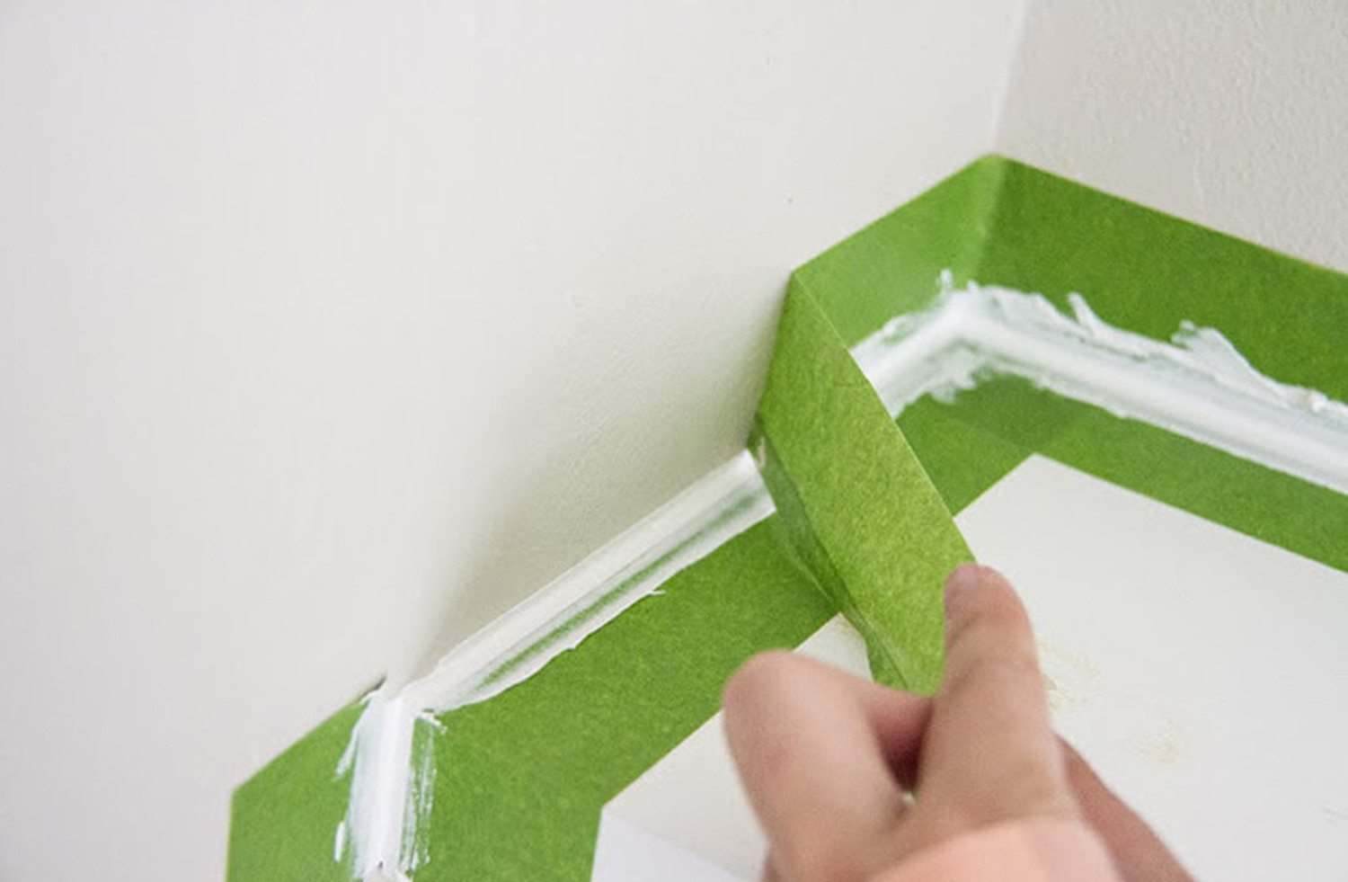 home repair tricks tip hack the hany mano manomano painters tape perfect grout